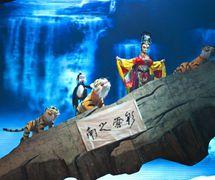 <em>Myth of the Colourful Butterfly</em> (彩蝶神话, 2012) by Sichuansheng Damuou Juyuan (Beiqiandao, Shunqing District, Nanchong, Sichuan Province, People's Republic of China), direction: Yu Junhai, Tang Guoliang, design/construction: Liu Ji, Xu Xueshu, Shu Shilin, Zhao Qing, puppeteers: Hu Yinghua and young performers of the troupe. Rod puppets, height: 180-200 cm