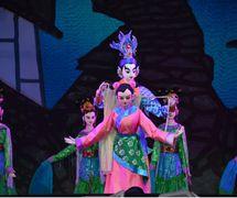 <em>The Dragon Gate Legend</em> (龙门传说, 2014) by Sichuansheng Damuou Juyuan (Beiqiandao, Shunqing District, Nanchong, Sichuan Province, People's Republic of China), direction: Li Ling, Tang Guoliang, design/construction: Liu Ji, Xu Xueshu, Shu Shilin, Zhao Qing, puppeteers: Li Ziwei, Ao Xia. Rod puppets, height: 180-200 cm