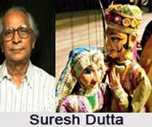 Suresh Dutta, titiritero y dire<em>c</em>tor indio, <em>c</em>on sus títeres. Fotografía cortesía de Sampa Ghosh