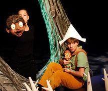 <em>Une forêt dans la tête</em> (2007) par le Théâtre de l'Avant-Pays, mise en scène: Michel Fréchette, scénographie: Patrick Martel. Photo: Suzanne O'Neil