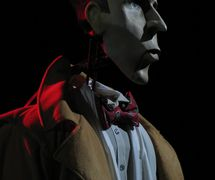 Shadwell, puppet character from <em>Royaume des Devins</em> (2006), an adapation of the dark fantasy novel Weaveworld by Clive Barker, produced in French by Théâtre Sans Fil (Quebec, Canada), direction: André Viens, design: Michel Demers, construction: Théâtre Sans Fil workshop. Photo: Jean-François Léger