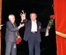 Henryk Jurkowski (left) and Valery Volkhovsky (right) at the 2002 award ceremony of the international prize for outstanding personal contribution to the preservation and promotion of puppetry, established by Sergei Obraztsov Foundation (Moscow, Russia). Photo courtesy of Archive: Rossiyskiy tsentr UNIMA (Russian UNIMA Centre, Moscow, Russia)