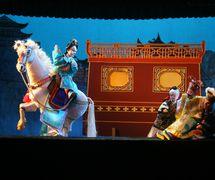 <em>Selling a Horse and Creating Havoc at the Prefecture</em> (卖马闹府, 1961) by Zhangzhoushi Muou Jutuan (Xiangcheng District, Zhangzhou, Fujian Province, People's Republic of China), direction: Yang Sheng (deceased), Chen Nantian (deceased), design/construction: Yang Junwei, puppeteers: Yao Wenjian, Zhuang Shoumin, Lü Yuebin, Zhang Zhao, Xu Kunhuang. Glove puppets, height: 45 cm. Photo: Chen Weiqi